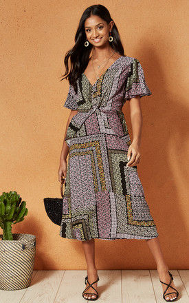 NORMANDY MIDI DRESS IN BLACK AND BLUSH PRINT by Band Of Gypsies