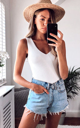V Neck Ribbed Top_White by URBAN TOUCH