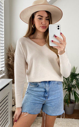 Knitted Top with V Neck in Cream by ONLY