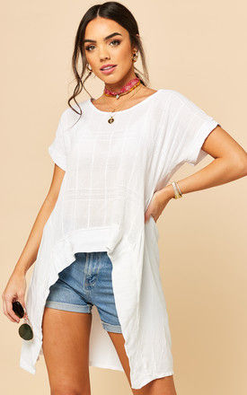 Dipped Hem Textured Top in White by Bella and Blue