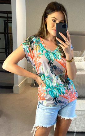 EXCLUSIVE GREY TROPICAL PRINT SHORT SLEEVE TOP by East Village