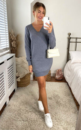 knitted mini dress with V neck in Grey by Noisy May