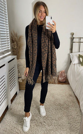 Wool blend scarf in Leopard by Pieces